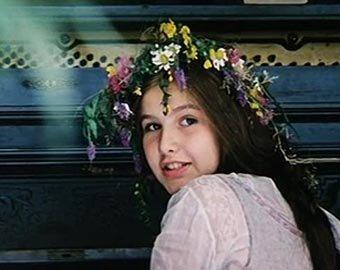 Девушка с длинной косой и сголой жопой фото 751-665